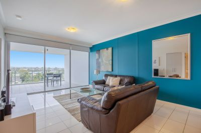 Spacious Fully Furnished Apartment With Hinterland Views