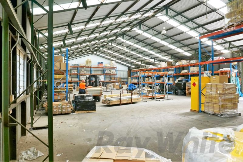 For Lease: 870sqm* OFFICE/ WAREHOUSE ON BUSY LYTTON ROAD