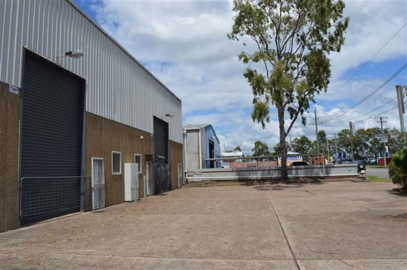 GREAT WAREHOUSE - TOP LOCATION