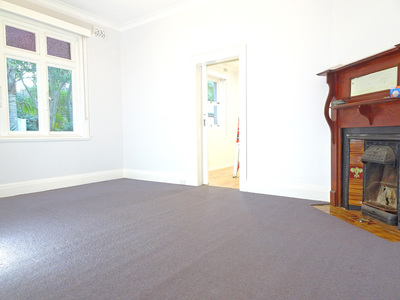 Bright Semi-House at Chatswood's Premier Street near the Heart of Chatswood!