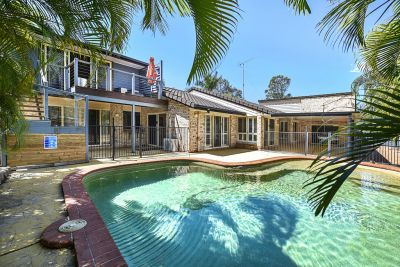 Large family home on 1362m2* overlooking parklands!