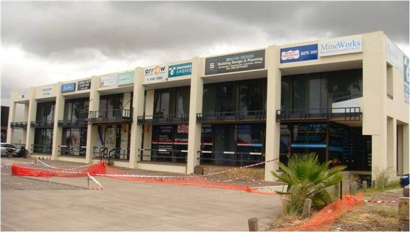 PROFESSIONAL OFFICE / PARTITIONED  -   RENT REDUCED