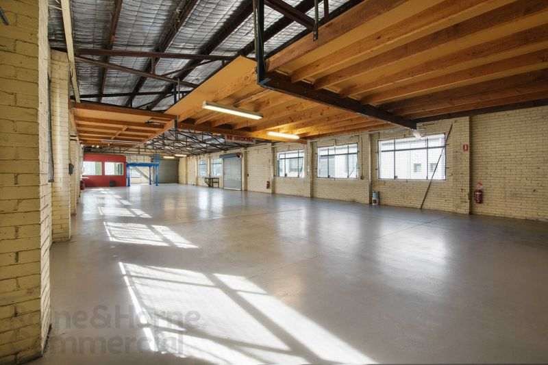 Freehold Industrial Warehouse in Thriving Brookvale
