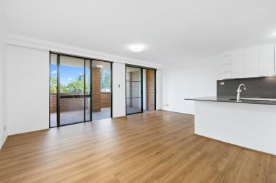 SPLIT-LEVEL FULLY RENOVATED TWO BEDROOM RESIDENCE OPPOSITE POPULAR PRINCE ALFRED PARK