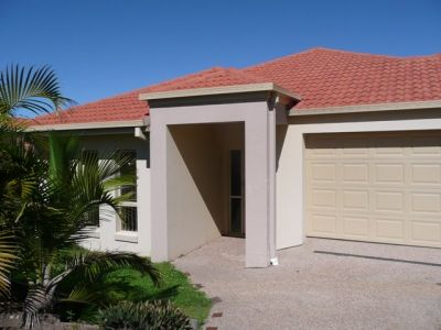 Modern Family Home - Coomera Springs Estate