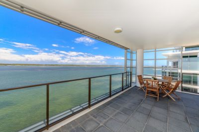 Desirable Corner Apartment with Panoramic Views and Family Room
