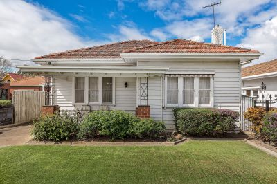 AUCTION THIS SATURDAY! Renovate, develop or land bank and reap the $$$ rewards.   Secure this first class prospect in the ACZ1!