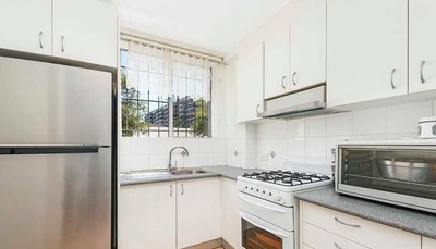 Two Bedroom Unit with Internal Laundry and Carspace