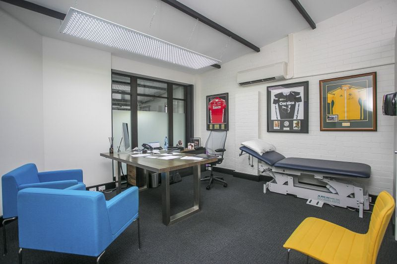 ARCHITECTURALLY DESIGNED PURPOSE BUILT MEDICAL SUITES / OFFICE