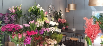 Successful boutique florist in Kew Junction - Ref: 16523
