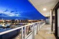 Harbour Views and 120sqm of Striking Docklands Space!