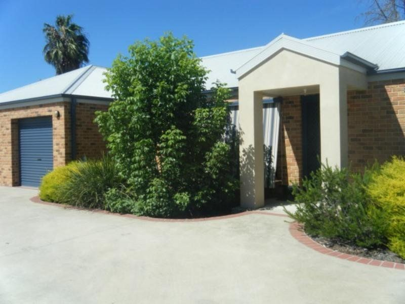 Unit - With 3 Double Bedrooms!
