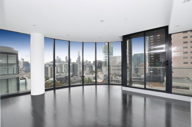 Silverleaf: Stunning Top Floor Apartment!