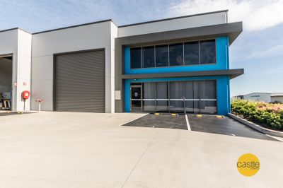 Large Professional Warehouse + Showroom