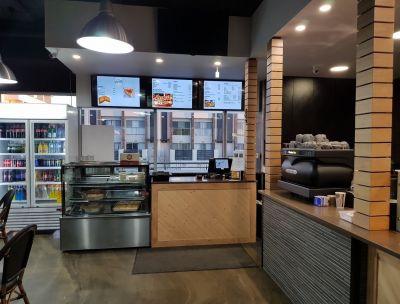 Ela Yiro Greek Street Food - Fantastic Opportunity Located in Fast Growing Area!