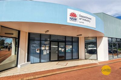Main Street Frontage A grade commercial space with parking