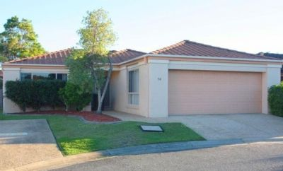 Good size, 3 bed single level Villa!
