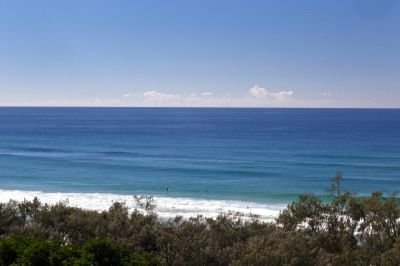 GREAT BUY ON MAIN BEACH PDE WITH OCEAN VIEWS!