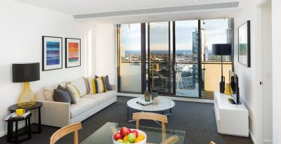EPIC: Spacious Two Bedroom Apartment in Stylish Southbank!