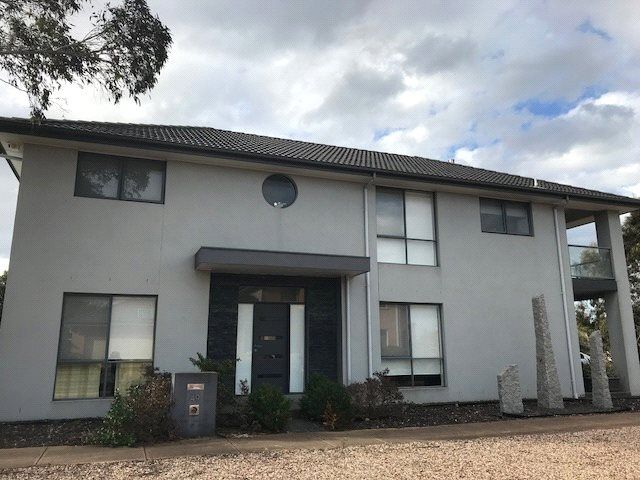 FIRST CLASS TENANT WANTED! Great Family Home!