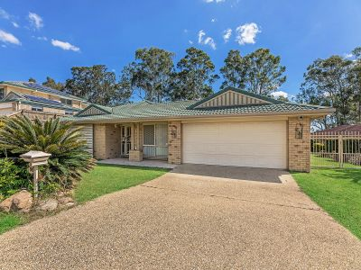 LIVING EXTRA-LARGE IN FLINDERS VIEW