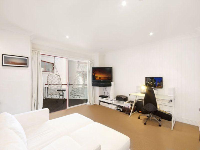 Oversized Studio in Heart of Bondi Beach