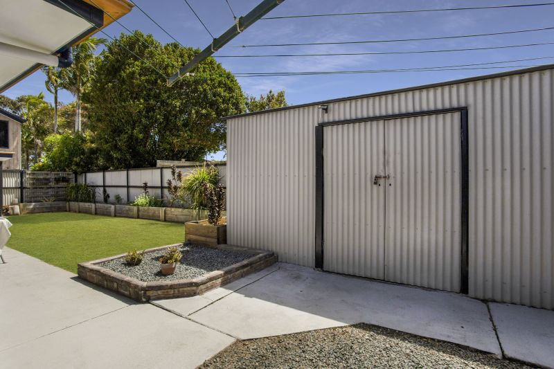 For Sale By Owner: 4 Emerson Street, Russell Island, QLD 4184
