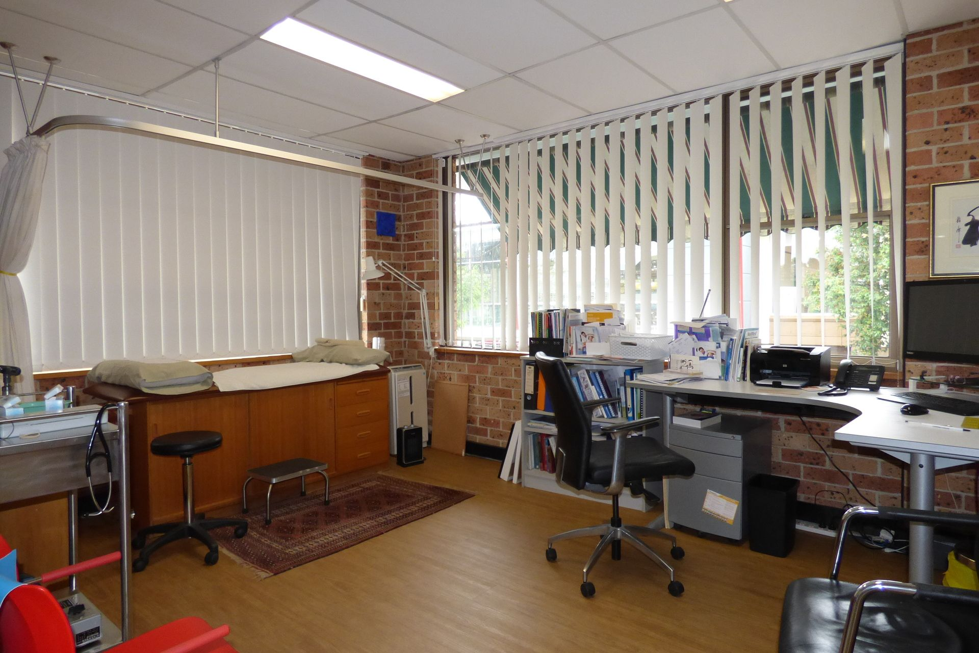 MEDICAL / OFFICE SPACE in CENTRAL MONA VALE LOCATION