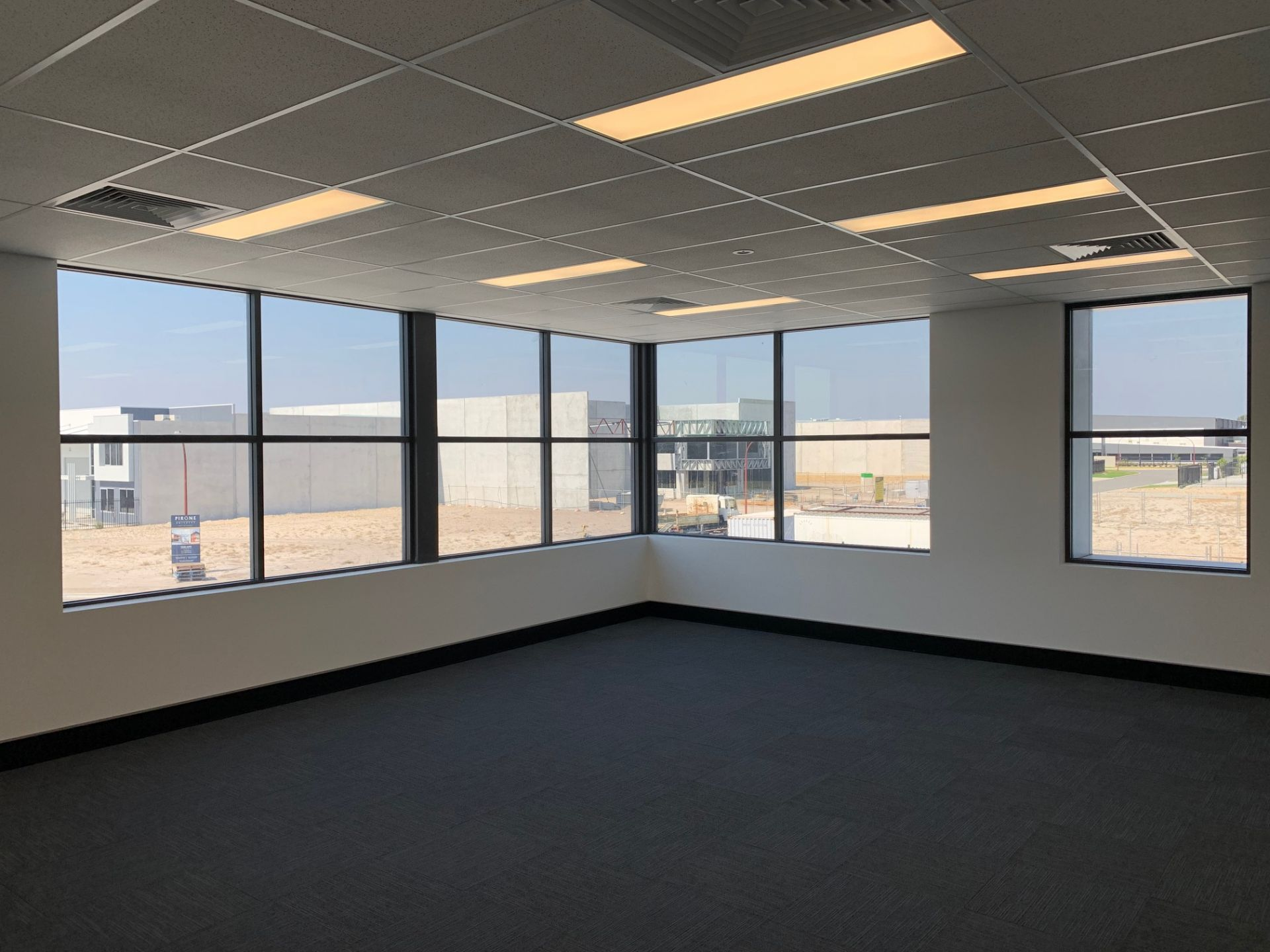 BRAND NEW A-GRADE OFFICE / WAREHOUSE