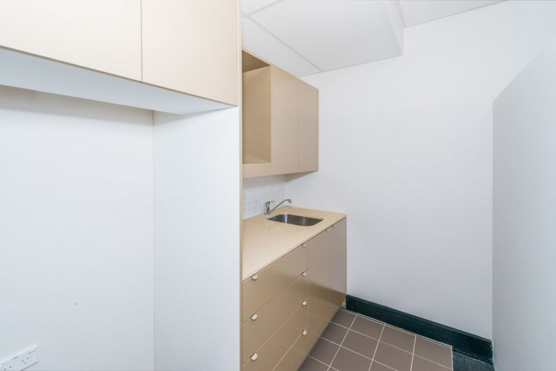 Quality First Floor Commercial Suites