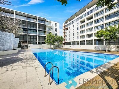 TOP FLOOR EXECUTIVE ONE BEDROOM IN RESORT STYLE 'LINC' COMPLEX OPEN FOR INSPECTION: INSPECTION CANCELLED