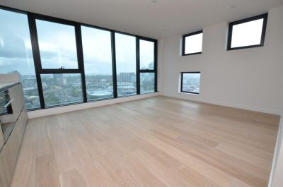 Habitat: Near New Two Bedroom with Fantastic Views!