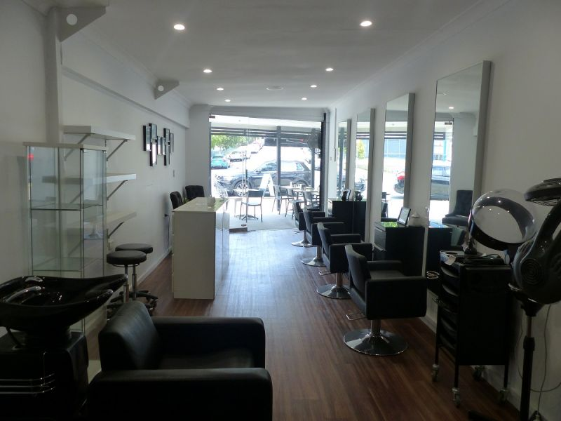 Boutique Office / Retail on Busy Riding Road