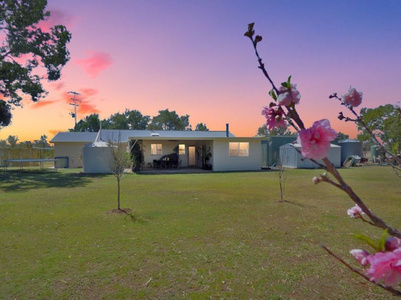 10 ACRES, AWESOME BORE, SHED & 3 BED HOME
