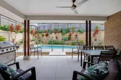 Reedy Creek Central Living  Incredible Value!