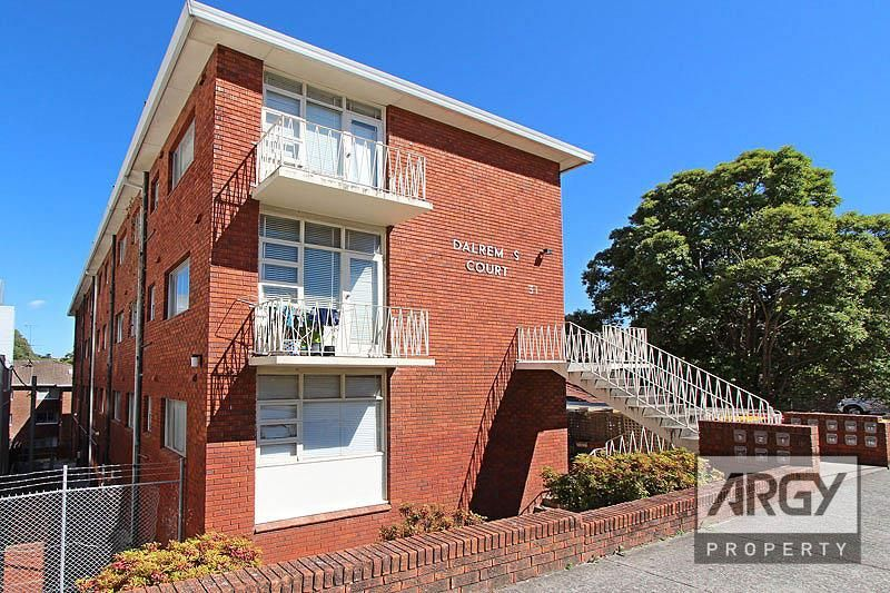 Leased- Walk To Station