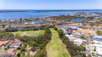 13 Broadway, Pelican Point,