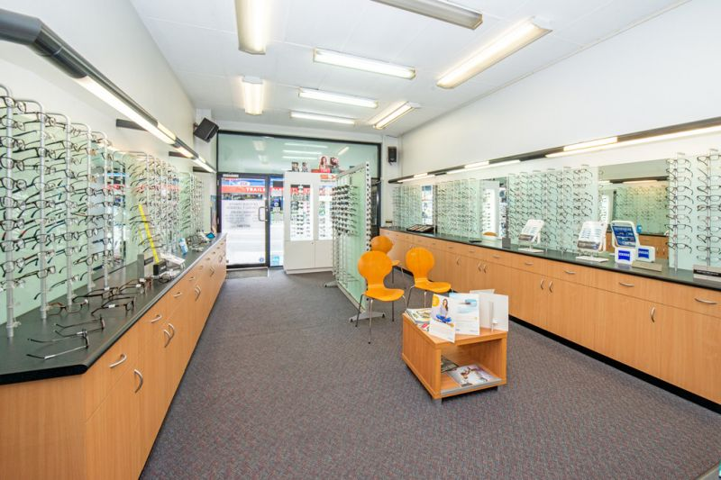 Retail or Commercial Premises in Busy Strip of Shops