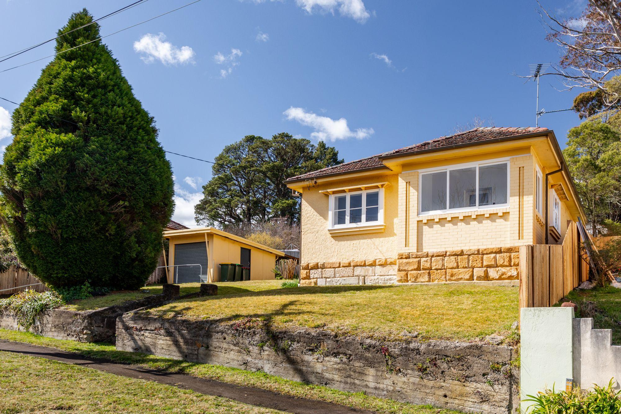 9 Dora Street Katoomba 2780