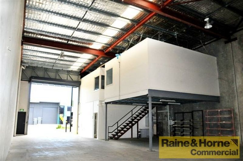 Quality Corporate Unit With Container Access
