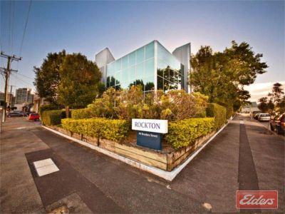 HIGH QUALITY OFFICE CENTRALLY LOCATED!!!