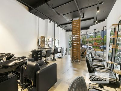 BOUTIQUE RETAIL SPACE - RARE OPPORTUNITY!
