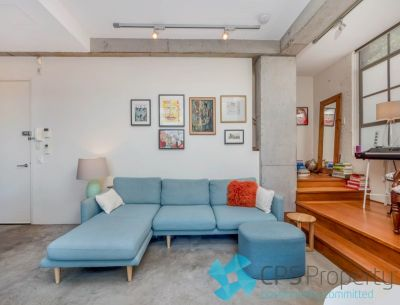 SPLIT-LEVEL ARCHITECTURAL MASTERPIECE IN THE HEART OF SURRY HILLS