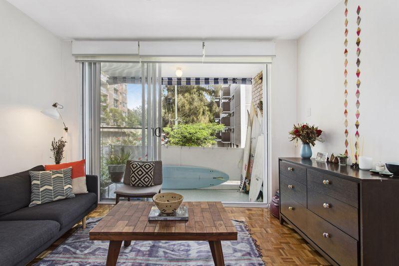 Bright, stylish apartment in the heart of Bondi.