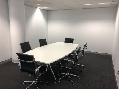 BRAND NEW 157M2 SPEC FITOUT!