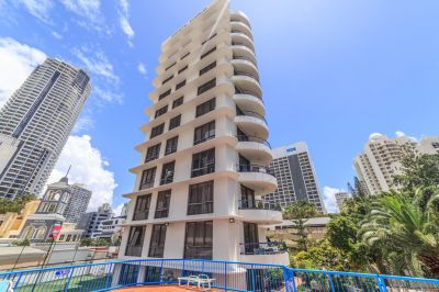 1 week free rent- Large Central Surfers Apartment
