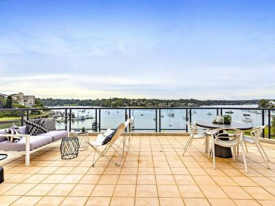 Stunning penthouse retreat with dramatic water views