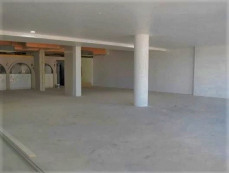 For Sale or Lease Central Coolangatta Location - Price Adjustment