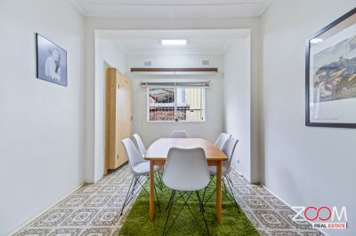 SPACIOUS THREE-BEDROOM HOUSE IN PETERSHAM