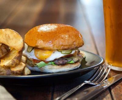 Modern gourmet burger franchise in Carlton - Ref: 14911